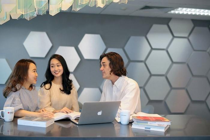 Dịch vụ viết thuê báo cáo tốt nghiệp ngành quản trị kinh doanh